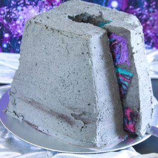 Ancient Alien Cake