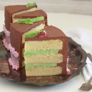 Pistachio Creme Cake